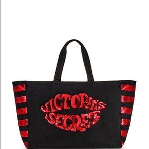 NWT Victoria's Secret Sequin Lip Tote